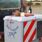 Dog Carrier tapa usada como mesa 02