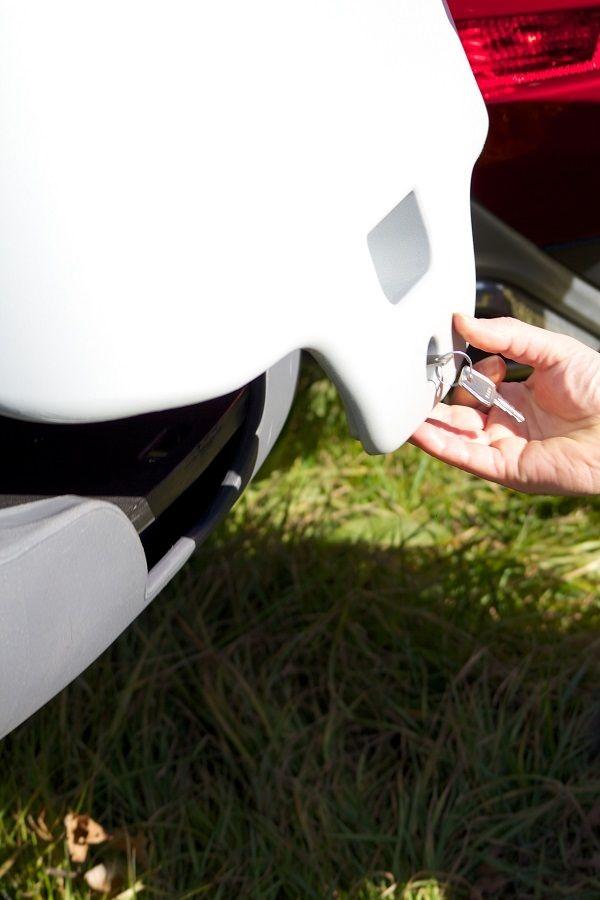 TowboxV2 DOG detalle cerradura de puertas