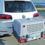 TowBox V1 Dog Gris montado en coche 02
