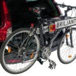 Portabicicletas plegable BRILJANT en coche con bici